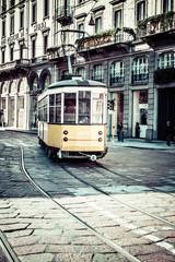 Stara uliczka tramwaj do salonu