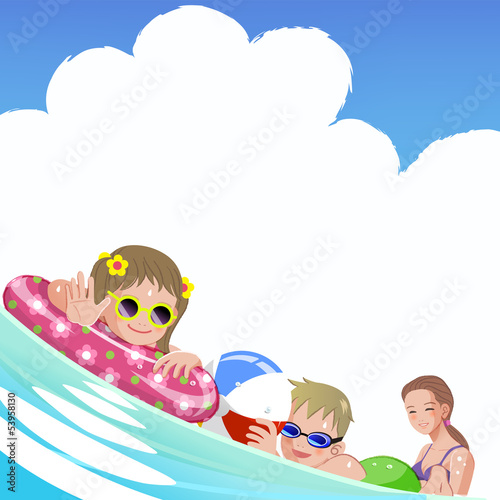 海 家族 Family with children at sea on summer holiday
