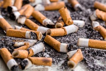 Zigaretten ausgedrückt