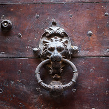 Heurtoir de porte antique, Toscane, Italie