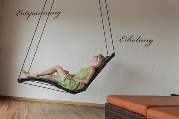 Schwebeliege Ruheraum entspannung