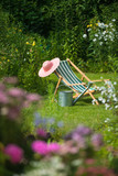Gartenidylle mit Leiterwagen