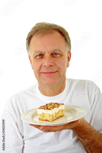 Mann mit Kuchen