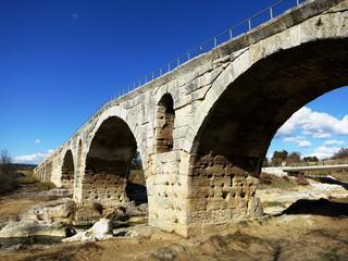 南仏の古代ローマ橋 ポン・ジュリアン