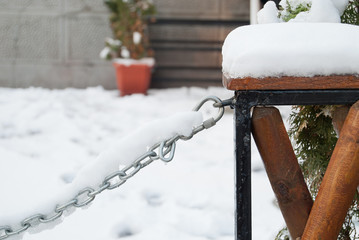 Chain on snow