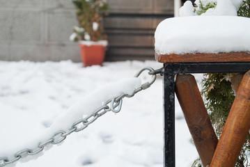 Chain on snow