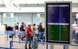 Anzeigetafel im Flughafenterminal