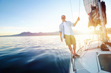 Fototapety sunrise sailing boat