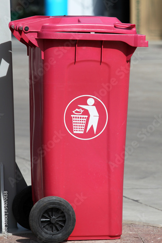 Light red garbage