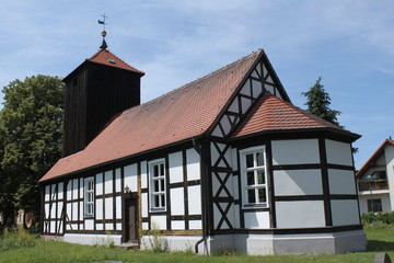 Fachwerkkirche im brandenburgischen Strubensee