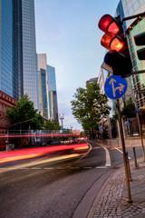 abends im Bankenviertel von Frankfurt