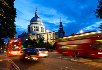St Pauls Cathedral at dusk