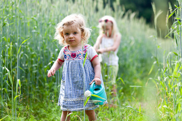 Mädchen im Feld