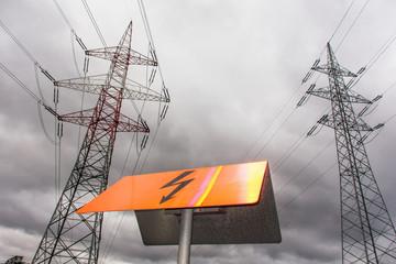 Strommasten einer Stromleitung