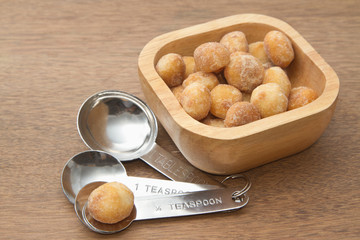 honey roasted macadamia nut