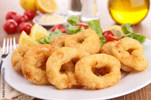 fried calamari and salad