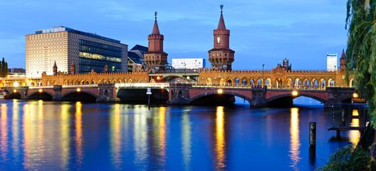 Panorama oberbaum bridge, berlin, germany