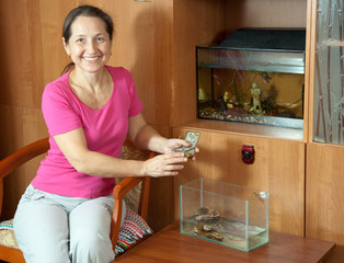 Woman with aquariums