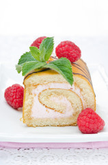 swiss roll with raspberry cream