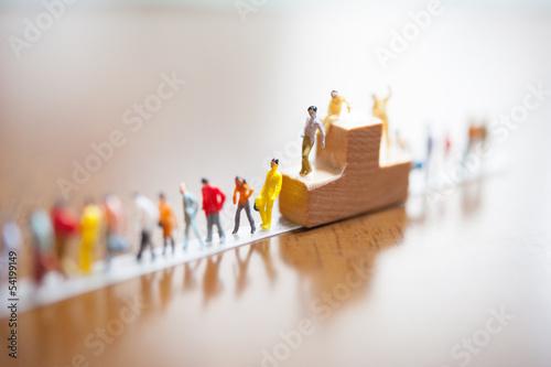 ミニチュア人形の行列