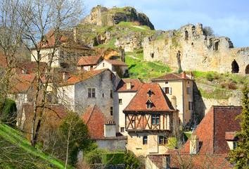Ansicht von Saint-Cirq-Lapopie, Südfrankreich