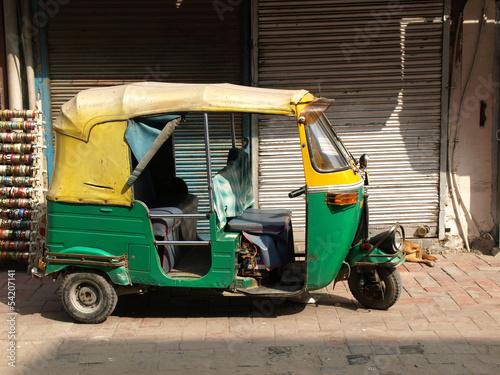 In de dag Delhi rickshaw taxi