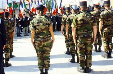 bataillon  de militaires ,cérémonie