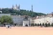 Place Bellecour et colline de Fourvière à Lyon