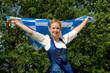 Frau mit Bayernflagge