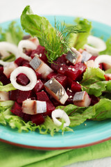 salad with beet tops