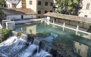 l'antico lavatoio medievale di Bevagna