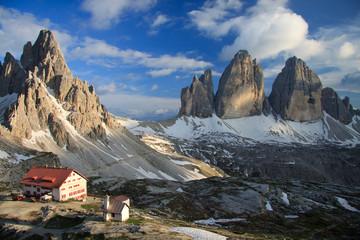 tre cime di Lavaredo, monte Paterno e rifugio Locatelli