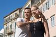 Touristen - junges Paar im Urlaub - Sommer