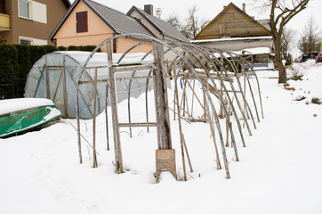 greenhouse construction winter garden snow