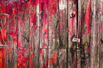 Porte rustique, peinture rouge