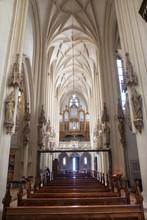 Vienne - Choeur et nef à l'église gothique Maria am Gestade