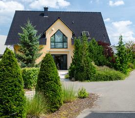 Großes Einfamilienhaus
