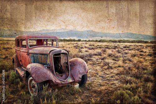 Voiture rétro abandonnée, style vintage