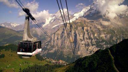 вид на горы  с эскалатора