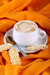 Biscotti e latte e caffè