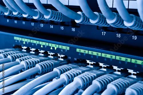 Netzwerk Hub - 54365794