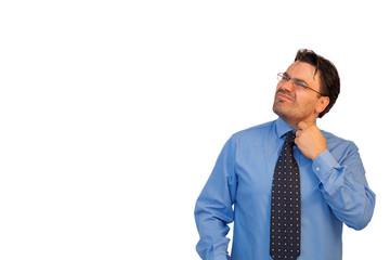 Uomo con la cravatta stretta