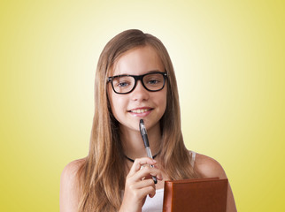 chica joven intelectual