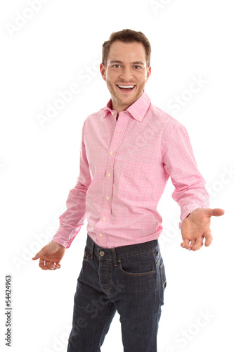 Lachender Manager mit rosarotem Hemd isoliert