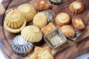 Small tart shells and baking pans