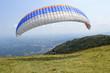 pilota di parapendio decollo - 54434124
