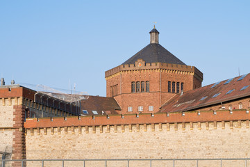Gefängnismauer und Gefängnisturm
