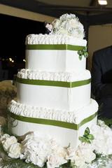 torta con nastro verde