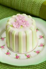 Luxury decorated mini cake