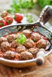 mini frikadellen mit tomatensoße